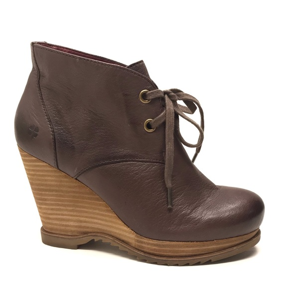 92cd6259103c Lucky Brand Shoes - LUCKY BRAND Brown Wedges   Ankle Boots 7 M